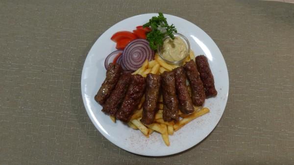 Erdélyi Mititei grillezett fűszeres húsrudacskák
